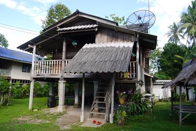 Projects Abroad volunteers stay in typical stilted bungalows on the island of Koh Klon