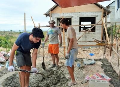 Projects Abroad Disaster Relief volunteers work on a building project in Philippines, Asia