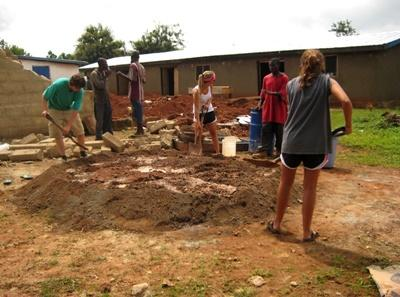 Volunteer community construction projects in Ghana