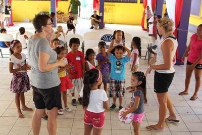 Projects Abroad volunteers on a Public Health outreach in Belize