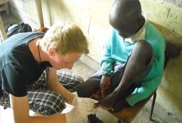 Volunteer in Kenya for High School: Medicine & Healthcare