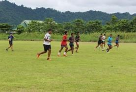 A local sports team plays a friendly practice rugby match as part of our volunteer Rugby placement in Samoa.
