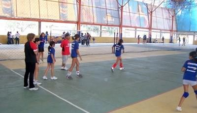 Volunteer volleyball coaching abroad
