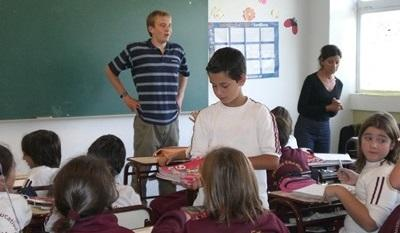 Volunteers chat to their students in Argentina, Latin America.