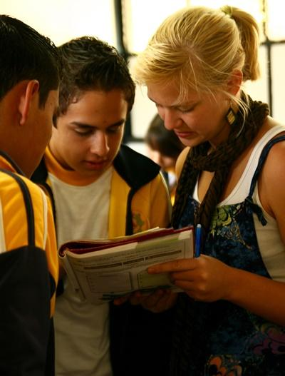 A volunteer with her students in Mexico.