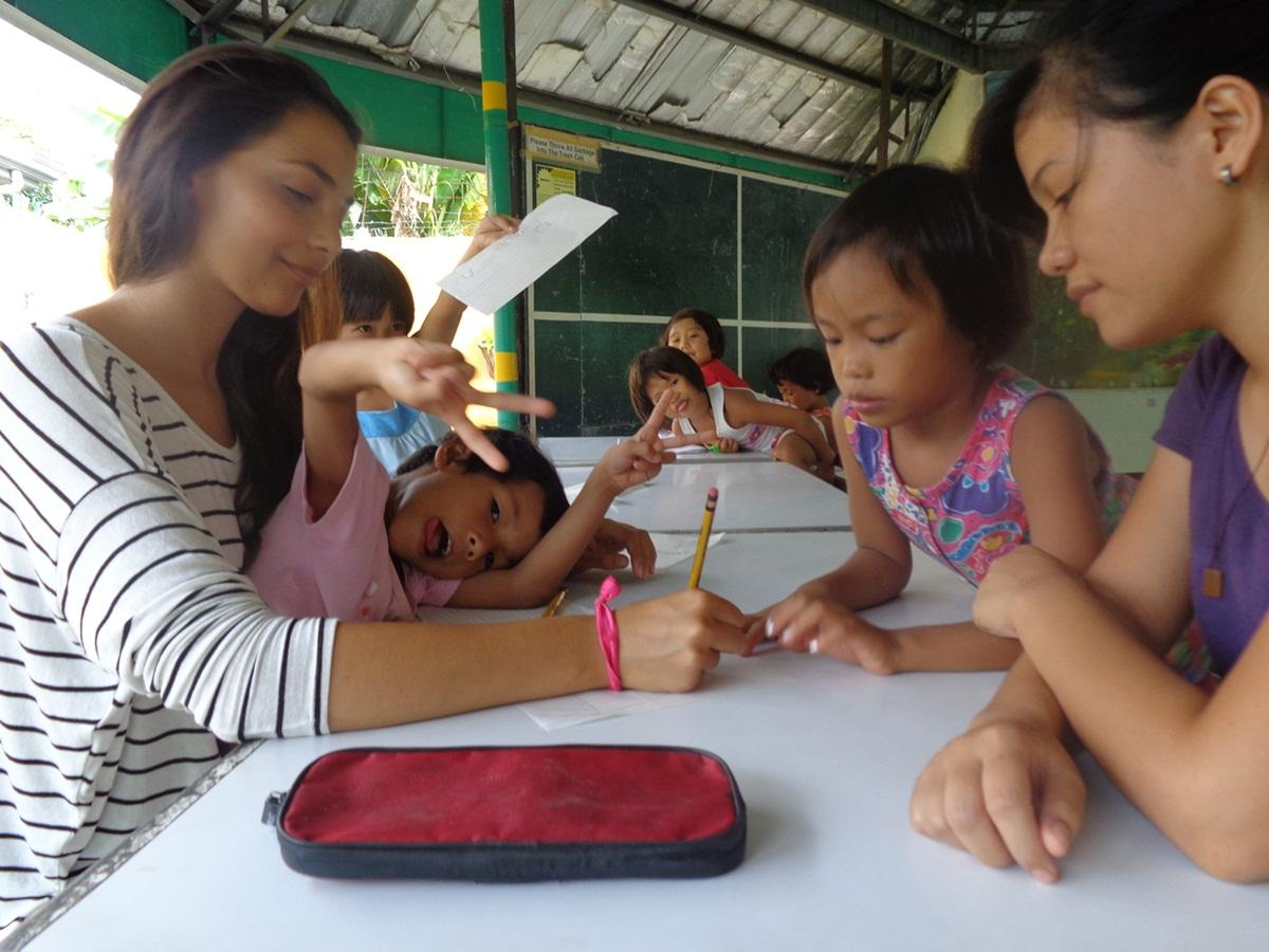 volunteer teaching overseas projects abroad work young and disadvantaged children in primary and secondary schools in cebu city tourism is one of the largest employment areas here