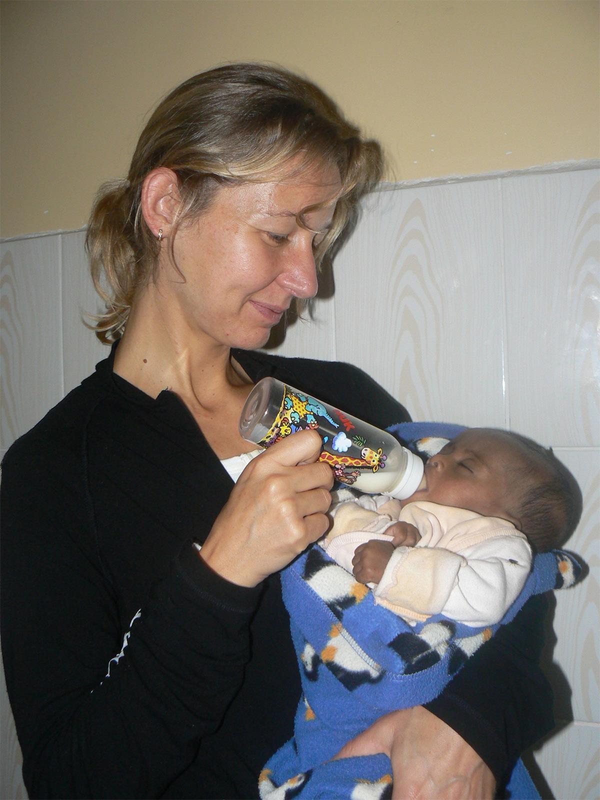 volunteering overseas on a career break projects abroad zoom volunteer on a care project