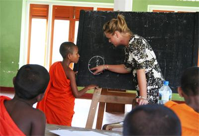 Volunteer teaching in Sri Lanka